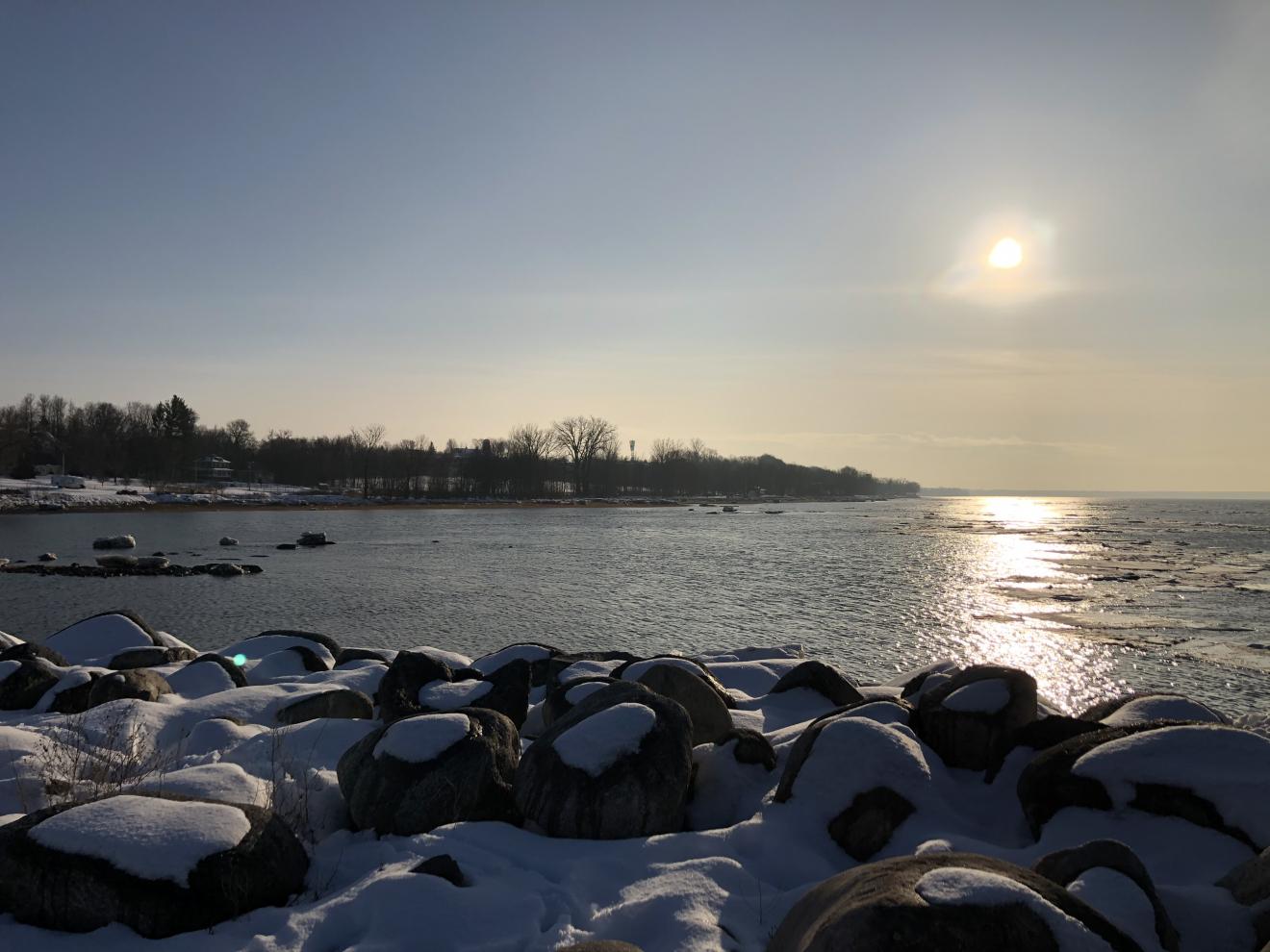 Par une belle journée d'hiver au quai de Lotbinière (©Marie-France St-Laurent)