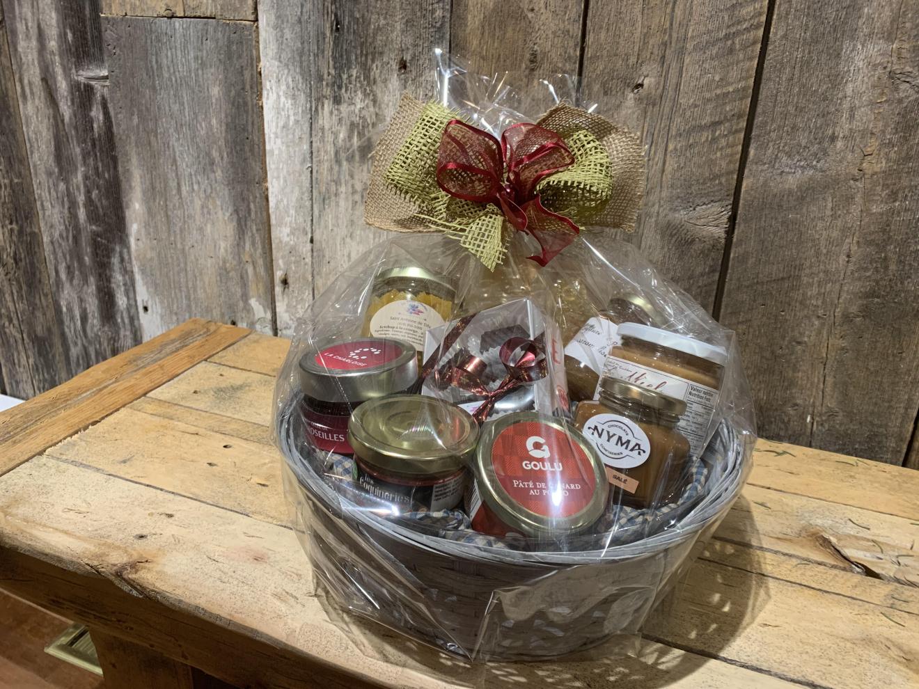 Paniers cadeaux de produits locaux : record pour les fêtes!